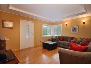 Photo 3: 3690 HENDERSON Ave in North Vancouver: Home for sale : MLS®# V889087