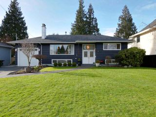 Photo 1: 824 CRESTWOOD Drive in Coquitlam: Harbour Chines House for sale : MLS®# R2433765