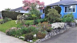 """Main Photo: 220 NINTH Avenue in New Westminster: GlenBrooke North House for sale in """"Glenbrooke North"""" : MLS®# R2438551"""