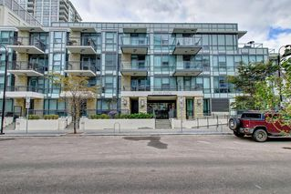 Photo 1: 114 51 WATERFRONT Mews SW in Calgary: Chinatown Apartment for sale : MLS®# C4301606