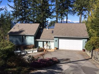 Photo 2: 365 OCEANVIEW Road: Lions Bay House for sale (West Vancouver)  : MLS®# R2478135