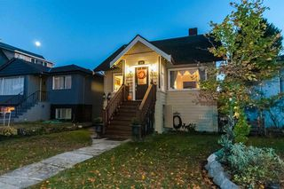 Photo 1: 464 E 54TH Avenue in Vancouver: South Vancouver House for sale (Vancouver East)  : MLS®# R2478377