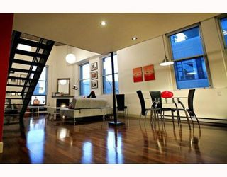 "Main Photo: 404 549 Columbia Street in New Westminster: Downtown NW Condo for sale in ""C2C Lofts"" : MLS®# V758075"