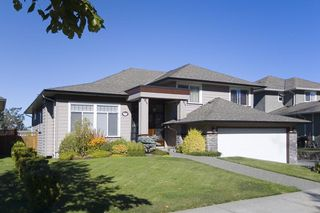 Photo 1: 3505 Promenade Cres in Victoria: Residential for sale : MLS®# 286554
