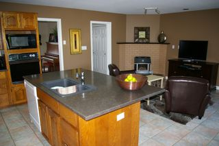 Photo 6: 10247 CRYSTAL: House for sale : MLS®# h1103096