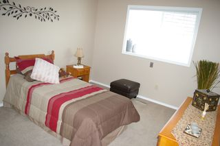 Photo 11: 10247 CRYSTAL: House for sale : MLS®# h1103096