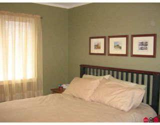"Photo 3: 68 12677 63RD Avenue in Surrey: Panorama Ridge Townhouse for sale in ""Sunridge"" : MLS®# F2809311"