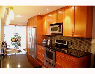 Photo 2: 1280 W 7TH Avenue in Vancouver: Fairview VW Townhouse for sale (Vancouver West)  : MLS®# V705426