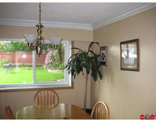 Photo 5: 26890 32A Avenue in Langley: Aldergrove Langley House for sale : MLS®# F2817662
