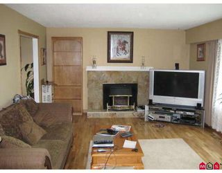 Photo 2: 26890 32A Avenue in Langley: Aldergrove Langley House for sale : MLS®# F2817662