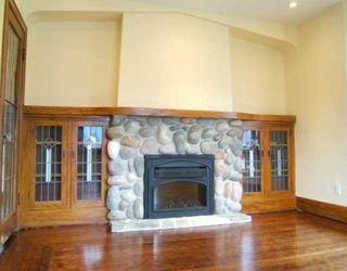 "Photo 3: 2704 GRAVELEY Street in Vancouver: Renfrew VE House for sale in ""RENFREW"" (Vancouver East)  : MLS®# V621896"