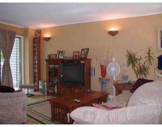 "Photo 4: 8563 FLOWERING PL in Burnaby: Forest Hills BN Townhouse for sale in ""FOREST HILLS"" (Burnaby North)  : MLS®# V551180"