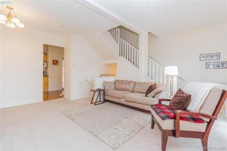 Photo 4: 982 Tolmie Avenue in VICTORIA: SE Quadra Row/Townhouse for sale (Saanich East)  : MLS®# 413384