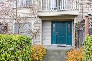 Photo 3: 982 Tolmie Avenue in VICTORIA: SE Quadra Row/Townhouse for sale (Saanich East)  : MLS®# 413384