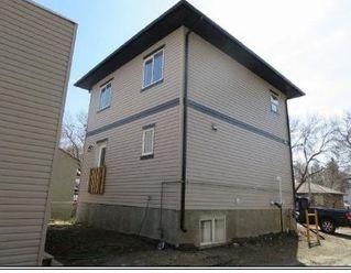 Photo 2: 10128 88 Avenue NW in Edmonton: Zone 15 House for sale : MLS®# E4169352