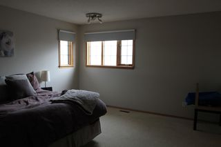 Photo 15: 75 Harwood Drive in St. Albert: House for rent