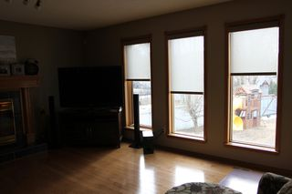 Photo 5: 75 Harwood Drive in St. Albert: House for rent