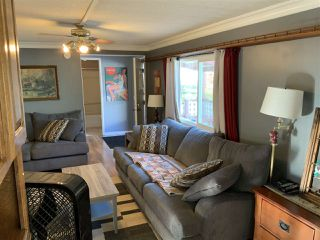 """Photo 4: 29 10221 WILSON Street in Mission: Stave Falls Manufactured Home for sale in """"Triple Creek Estates"""" : MLS®# R2431015"""