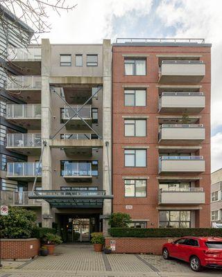"""Photo 25: 212 2228 MARSTRAND Avenue in Vancouver: Kitsilano Condo for sale in """"UNO"""" (Vancouver West)  : MLS®# R2437047"""