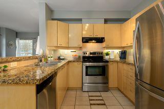"""Photo 10: 212 2228 MARSTRAND Avenue in Vancouver: Kitsilano Condo for sale in """"UNO"""" (Vancouver West)  : MLS®# R2437047"""