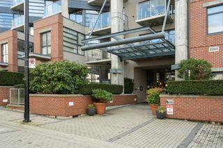 """Photo 1: 212 2228 MARSTRAND Avenue in Vancouver: Kitsilano Condo for sale in """"UNO"""" (Vancouver West)  : MLS®# R2437047"""