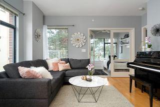 """Photo 3: 212 2228 MARSTRAND Avenue in Vancouver: Kitsilano Condo for sale in """"UNO"""" (Vancouver West)  : MLS®# R2437047"""