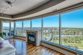 Photo 2: #2203 920 5 Avenue SW in Calgary: Downtown West End Apartment for sale : MLS®# A1022575