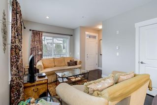 """Photo 4: 8 838 ROYAL Avenue in New Westminster: Downtown NW Townhouse for sale in """"BRICKSTONE WALK 2"""" : MLS®# R2501048"""