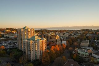 Photo 7: 1704 960 Yates St in : Vi Downtown Condo for sale (Victoria)  : MLS®# 860435
