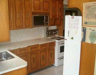 Photo 5: 424 OAKVIEW Avenue in Winnipeg: East Kildonan Single Family Detached for sale (North East Winnipeg)  : MLS®# 2610433