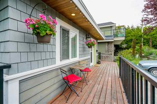 Photo 3: 867 HABGOOD Street: White Rock House for sale (South Surrey White Rock)  : MLS®# R2424488