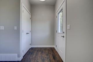 Photo 3: 10357 149 Street in Edmonton: Zone 21 House Half Duplex for sale : MLS®# E4200015
