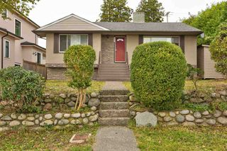 Photo 2: 6467 BUCHANAN Street in Burnaby: Parkcrest House for sale (Burnaby North)  : MLS®# R2508879