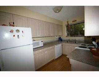 Photo 3: 4843 55B Street in Ladner: Hawthorne Townhouse for sale : MLS®# V782490