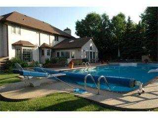 Photo 3: 19 Dunbar Crescent in WINNIPEG: River Heights / Tuxedo / Linden Woods Residential for sale (South Winnipeg)  : MLS®# 1004398
