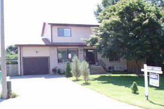 Photo 1: 630 Highland Crest in Beaverton: House (2 1/2 Storey) for sale (N24: BEAVERTON)  : MLS®# N1456920