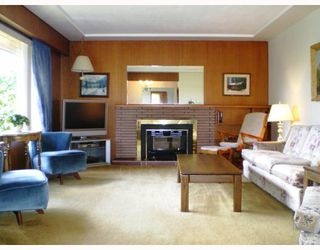 Photo 2: 4321 Greta Street in Burnaby: Metrotown House for sale (Burnaby South)  : MLS®# V740047