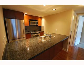 Photo 4: 506 9180 HEMLOCK Drive in Richmond: McLennan North Condo for sale : MLS®# V740536