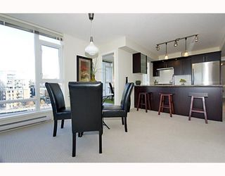 "Photo 6: 906 1650 W 7TH Avenue in Vancouver: Fairview VW Condo for sale in ""VIRTU"" (Vancouver West)  : MLS®# V748830"