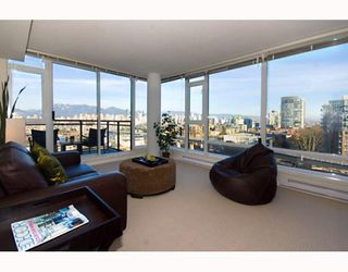 "Photo 4: 906 1650 W 7TH Avenue in Vancouver: Fairview VW Condo for sale in ""VIRTU"" (Vancouver West)  : MLS®# V748830"