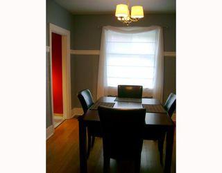 Photo 3: 671 WALKER Avenue in WINNIPEG: Fort Rouge / Crescentwood / Riverview Single Family Detached for sale (South Winnipeg)  : MLS®# 2715805
