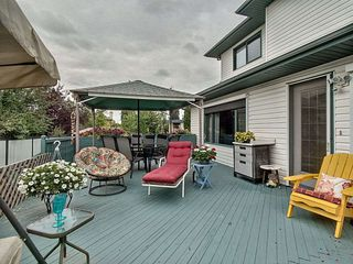 Photo 6: 3824 42 Street in Edmonton: Zone 29 House for sale : MLS®# E4170497