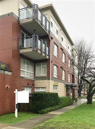 Main Photo: 304 2096 W 46TH Avenue in Vancouver: Kerrisdale Condo for sale (Vancouver West)  : MLS®# R2430964
