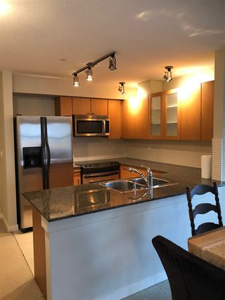 Photo 13: 304 2096 W 46TH Avenue in Vancouver: Kerrisdale Condo for sale (Vancouver West)  : MLS®# R2430964