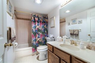 "Photo 14: 108 14950 THRIFT Avenue: White Rock Condo for sale in ""THE MONTEREY"" (South Surrey White Rock)  : MLS®# R2432223"