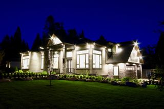 Photo 2: 5032 WALKER Avenue in Delta: Pebble Hill House for sale (Tsawwassen)  : MLS®# R2433027