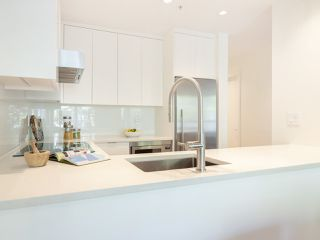 "Photo 6: 211 1230 HARO Street in Vancouver: West End VW Condo for sale in ""1230 Haro"" (Vancouver West)  : MLS®# R2447651"