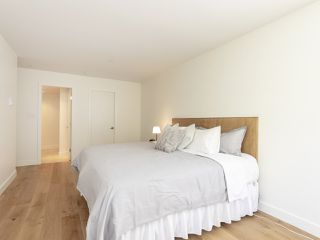 "Photo 14: 211 1230 HARO Street in Vancouver: West End VW Condo for sale in ""1230 Haro"" (Vancouver West)  : MLS®# R2447651"