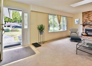 Photo 6: 15660 ASTER Road in Surrey: King George Corridor House for sale (South Surrey White Rock)  : MLS®# R2448556