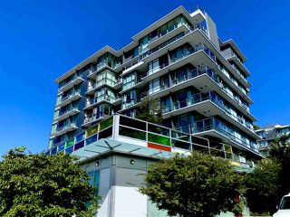 "Photo 2: 261 2080 W BROADWAY Avenue in Vancouver: Kitsilano Condo for sale in ""Pinnacle Living on Broadway"" (Vancouver West)  : MLS®# R2496208"